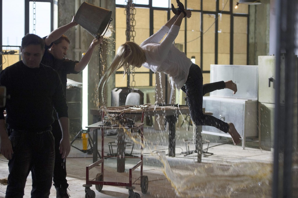 Yvonne-Strahovski-Kate-Morgan-Tortured-Water-24-Live-Another-Day-Episode-6-1024x681