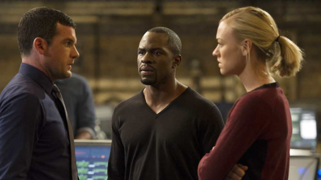 Gbenga-Akinnagbe-Yvonne-Strahovski-24-Live-Another-Day-Episode-10-1024x575