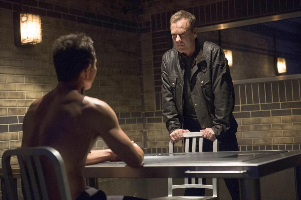 Jack-Bauer-Kiefer-Sutherland-Steve-Navarro-Benjamin-Bratt-shirtless-24-Live-Another-Day-Episode-10-1024x681