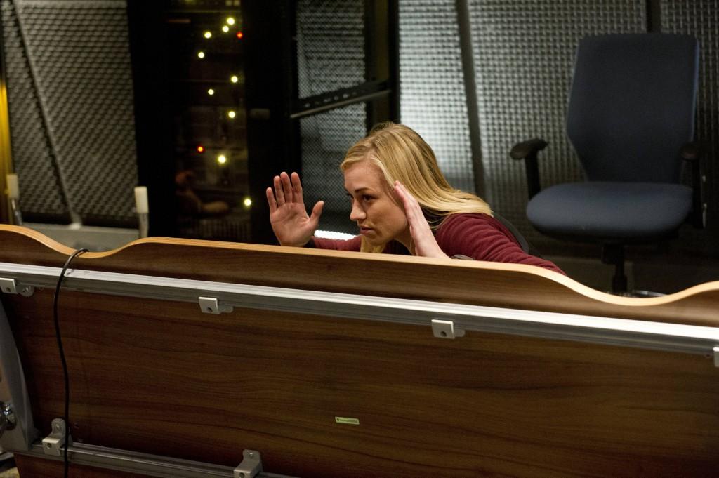 Kate-Morgan-Yvonne-Strahovski-24-Live-Another-Day-Episode-4-1024x681