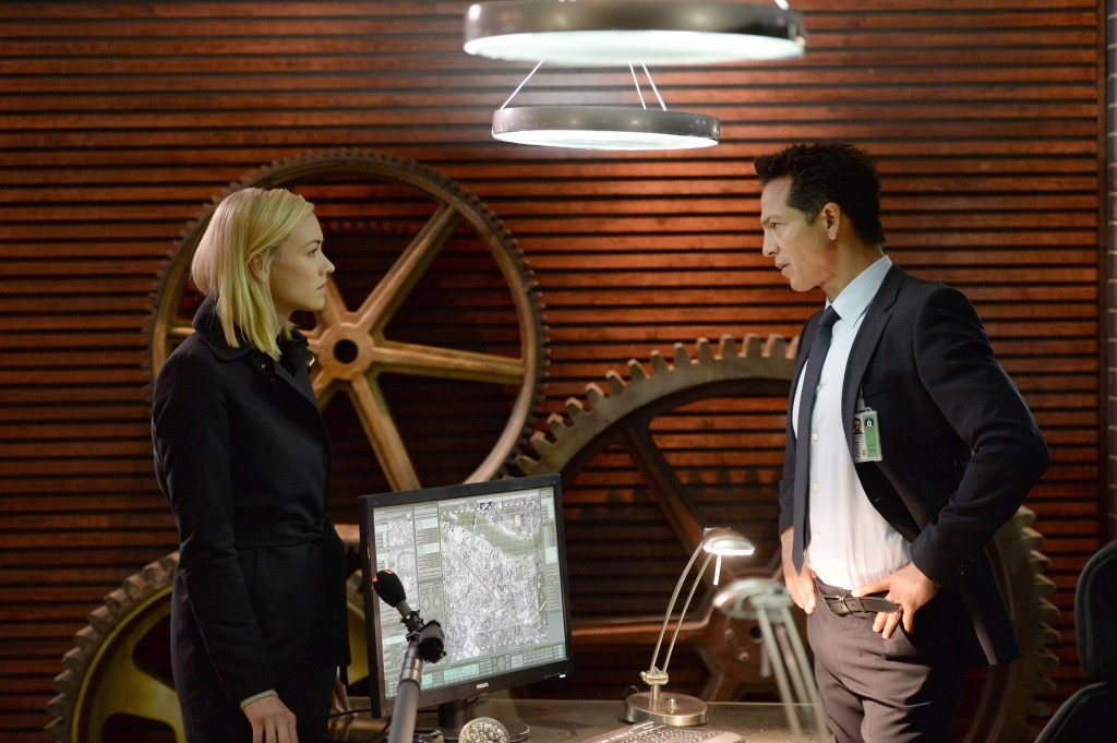 Yvonne-Strahovski-Benjamin-Bratt-24-Live-Another-Day-Episode-5-1024x681