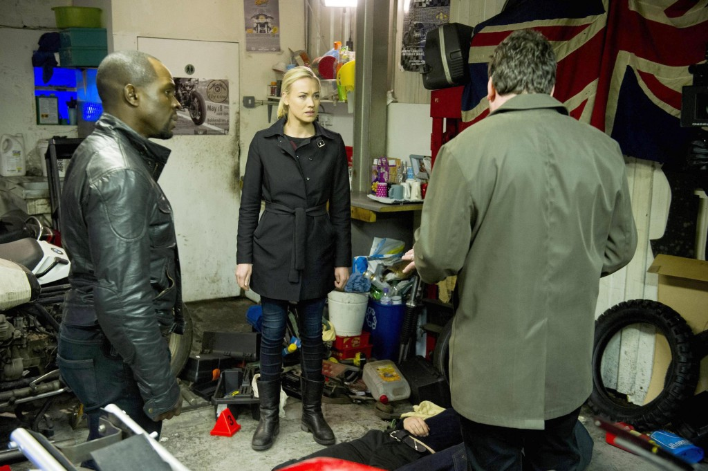 Yvonne-Strahovski-Gbenga-Akinnagbe-24-Live-Another-Day-Episode-9-1024x681