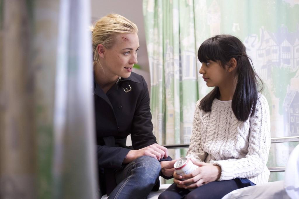 Yvonne-Strahovski-Kate-Morgan-Yasmin-Nikita-Mehta-24-Live-Another-Day-Episode-7-1024x681