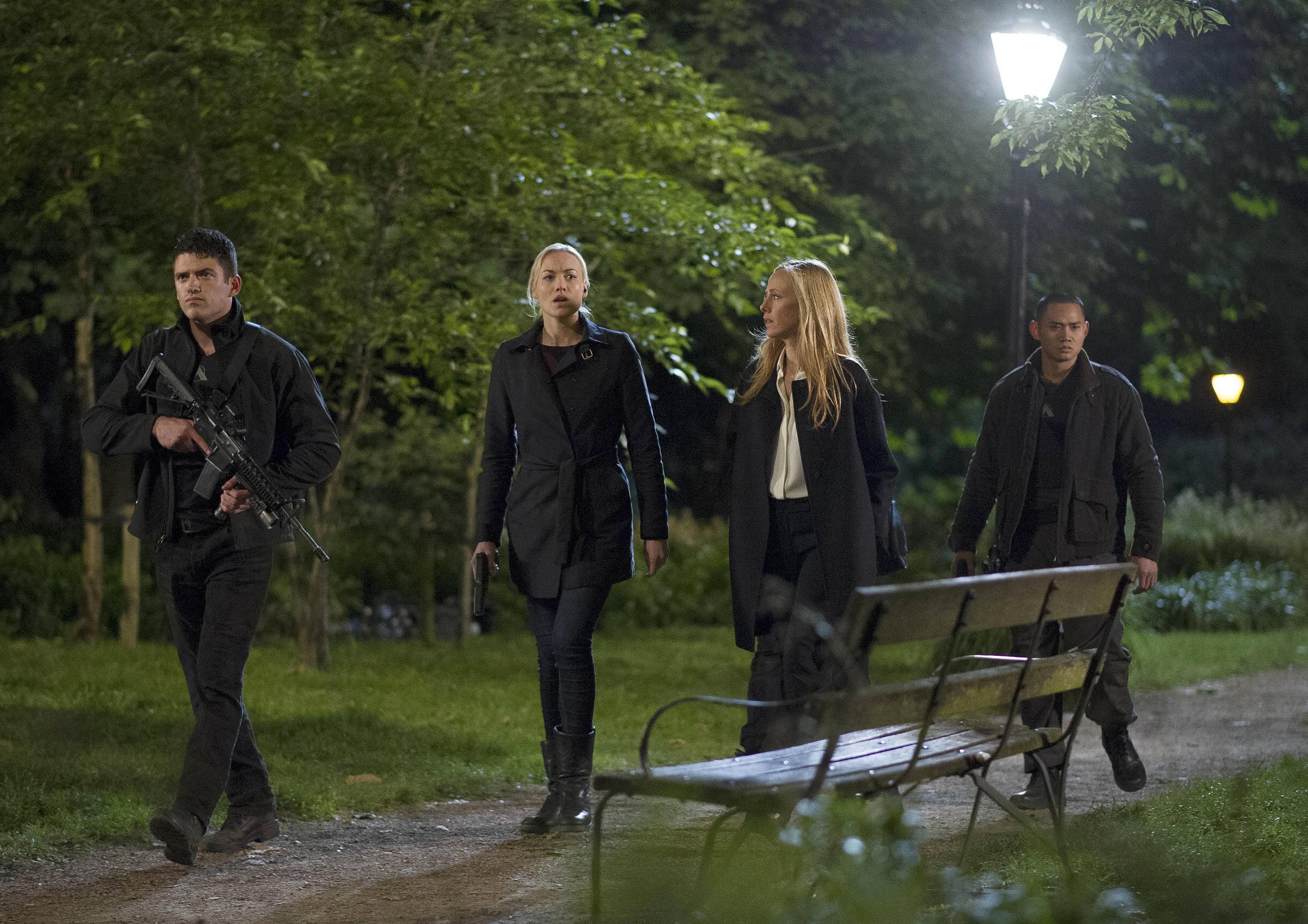 Kate-Morgan-Audrey-Yvonne-Strahovski-Kim-Raver-24-Live-Another-Day-Finale-Episode-12
